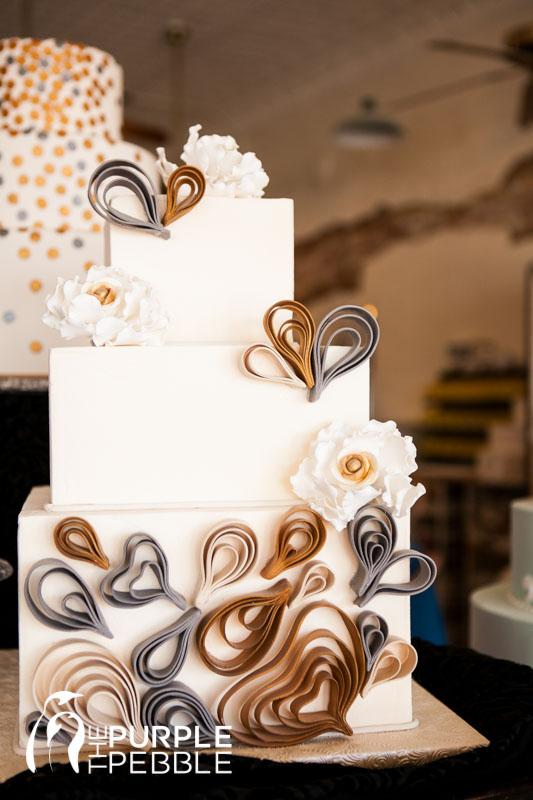 Artistic Gold And Silver Cake Creme De La Creme The Purple Pebble Dallas Fort Worth Wedding