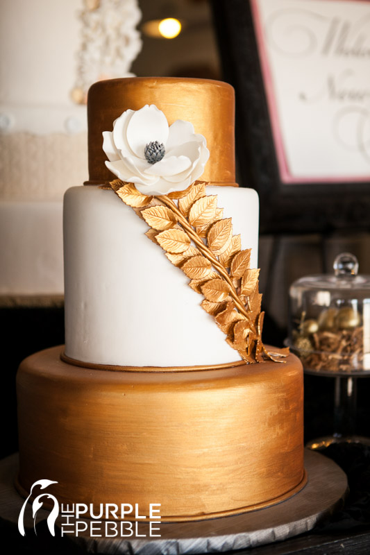 Gold Floral Elegant Wedding Cake